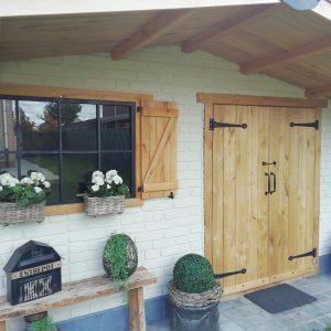 Fassadenverkleidung Eiche bei Holzhandelonline.de >>